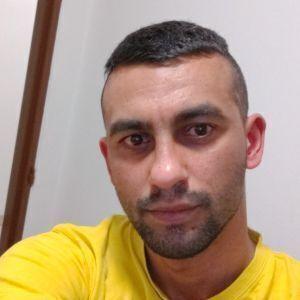 Erik Viola Profile Picture