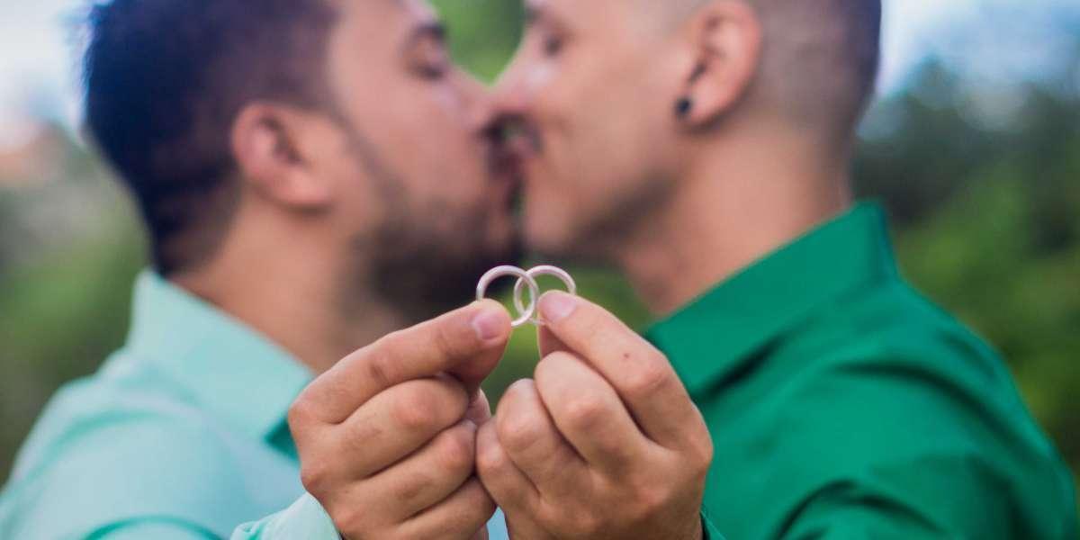 """Proč by homosexuálním párům nemělo být umožněno uzavřít manželství? """"Žádný důvod neexistuje!"""" říká Amnesty International"""